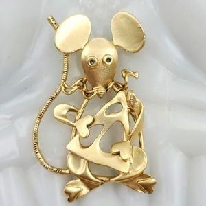 Gold Tone Mouse with Cheese Brooch